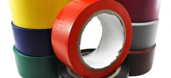Fita adesiva para demarcação de pisos
